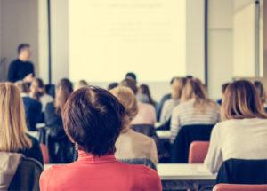 QUALIOPI certification formation professionnelle groupe travail salle réunion team entreprise