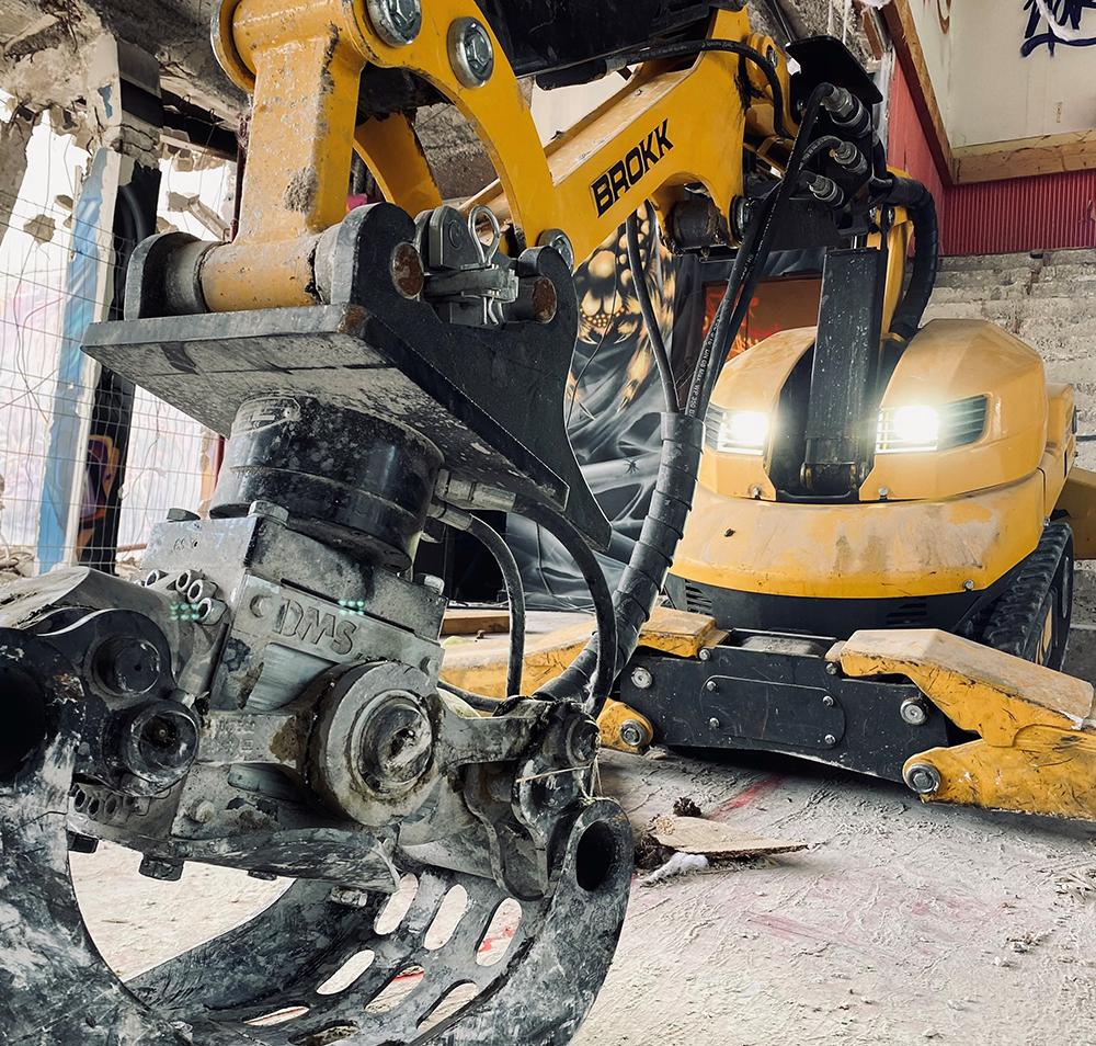 Démolition déconstruction lorient morbihan bretagne location robot démolition intérieure